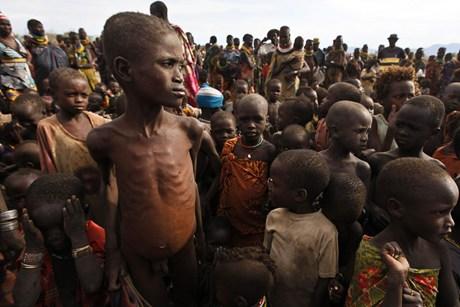 Ρατσισμός,σεξισμός,στερεότυπα,προκαταλήψεις - Σελίδα 5 Africa-drought