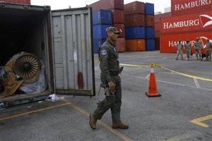 2013-07-31T024519Z_1_CBRE96U07NR00_RTROPTP_2_CNEWS-US-PANAMA-SHIP