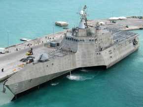 el Navys-de última generación-buque de guerra-se-dos críticos-defensivas-aumenta