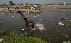 india-river-pollution-2010-3-25-3-14-45