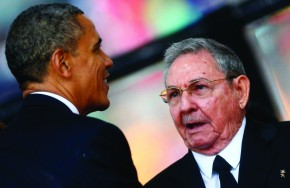 PIC-FP-MAIN-OBAMA-SHAKES-HANDS-WITH-CUBA